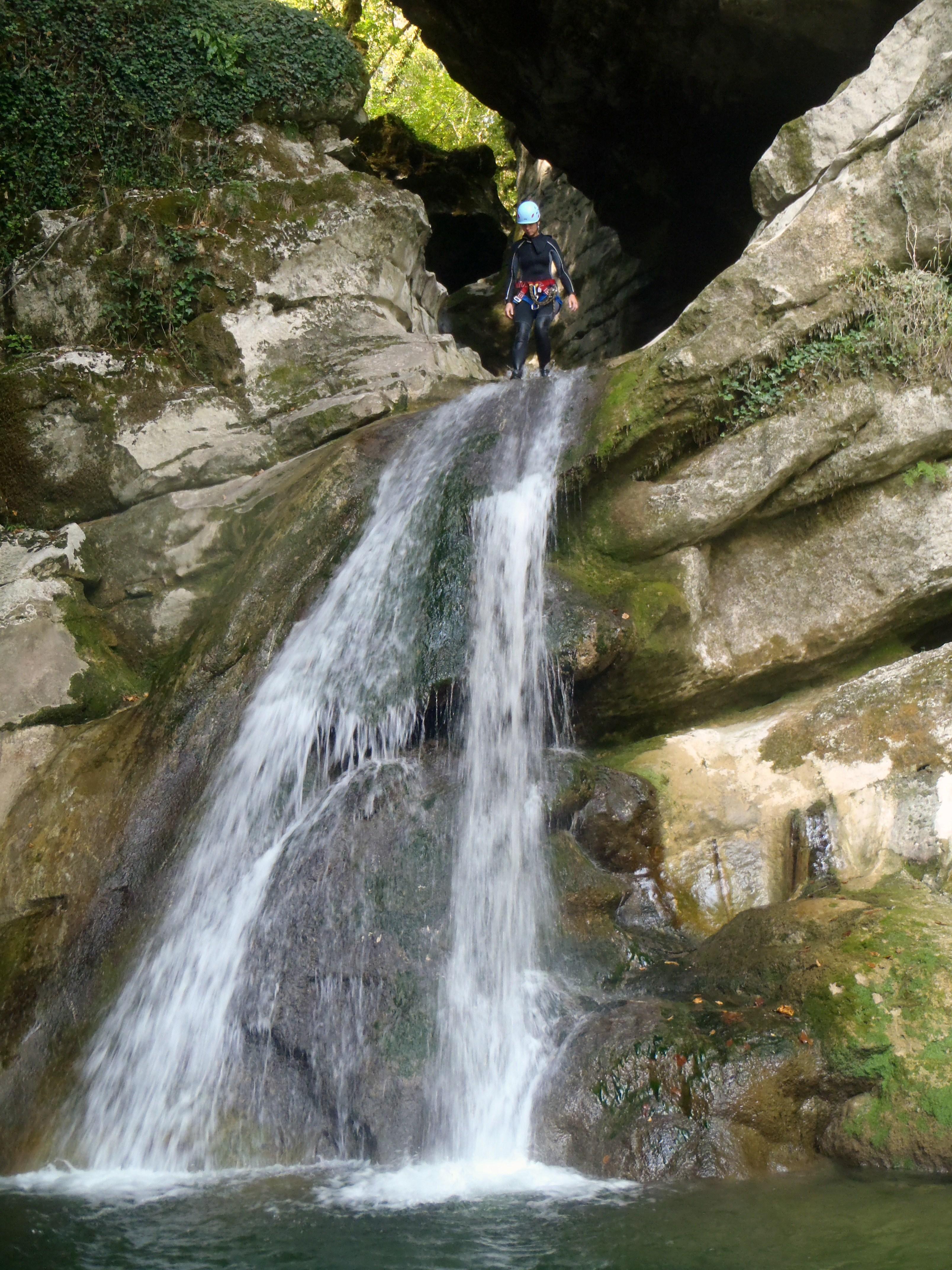 Le canyon du groin est un magnifique parcours de canyoning dans l'Ain avec de belles cascades, des sauts et des toboggans naturels.
